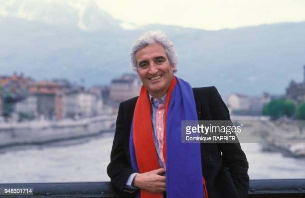 JeanLoup Dabadie écrivain en février 1990 à Grenoble France