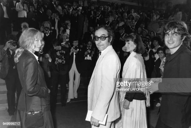 JeanLuc Godard et Nathalie Baye au Festival de Cannes pour le film 'Sauve qui peut la vie' de JeanLuc Godard mai 1980 Cannes France