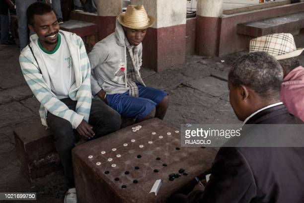 Jean-Marie Andriatsarafara , known as Zamabe, 30-years-old, a player of Fanorona since the age of 11 years and champion of Madagascar since 2016,...
