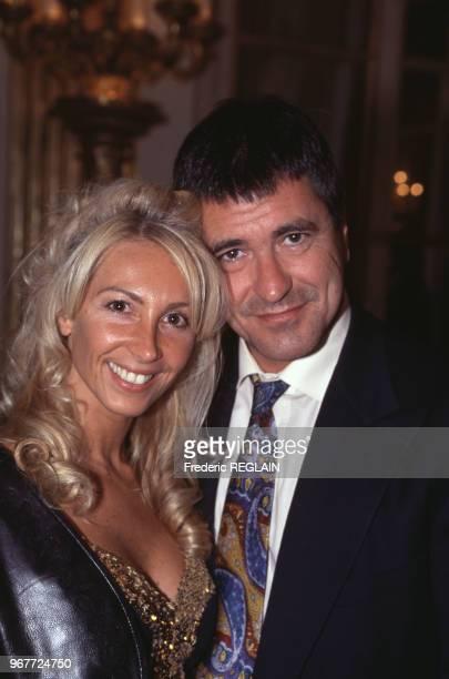 Jean-Marie Bigard et sa femme Claudia lors de la fête de la Musique le 21 juin 1995 Paris, France.