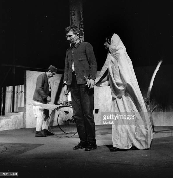 JeanMarie Serreau and Edwine Moatti in La Femme sauvage of Kateb Yacine Production JeanMarie Serreau Paris theatre Recamier January 1963