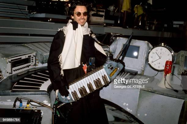 JeanMichel Jarre lors de son concert intitulé 'Destination Docklands' le 8 octobre 1988 à Londres RoyaumeUni