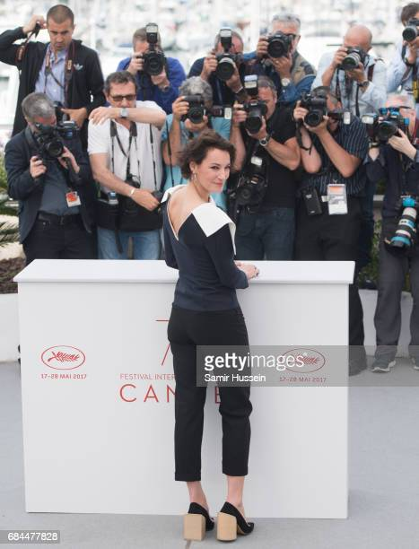 Jeanne Balibar attends 'Barbara' Photocall during the 70th annual Cannes Film Festival at Palais des Festivals on May 18 2017 in Cannes France