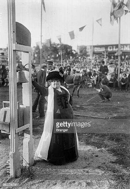 Jeanne Bloch, French actress. Buffalo, feast of the Caf'conc'. Montrouge , August 1909. BRA-47918.