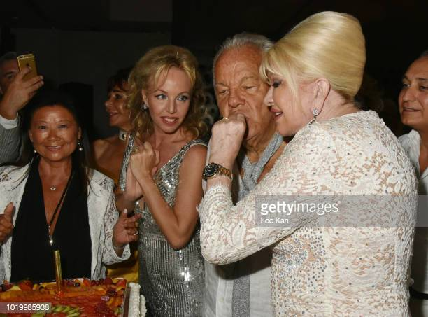 Jeanne d' Hauteserre Camilla de Bourbon Les deux Siciles Massimo Gargia and Ivana Trump attend the Massimo Birthday Party On French Riviera on August...