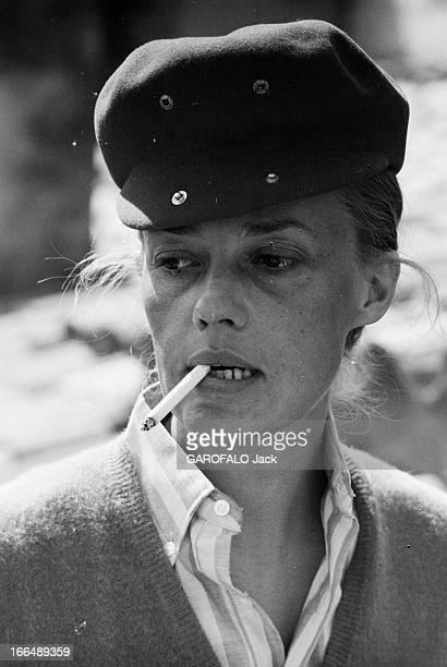 Jeanne Moreau Presents ' Jules Et Jim' Fashion In St Tropez. France, Saint-Tropez, 13 avril 1962, dans la station balnéaire célèbre pour ses soirées,...