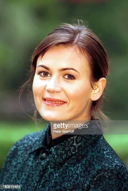"""Jeanne Tremsal, Portrait, Porträt, Schauspielerin, ARD-Reihe """"Lauter tolle Frauen"""", Folge: """"Mutter kommt in Fahrt"""" , Kleinmachnow, , ;"""