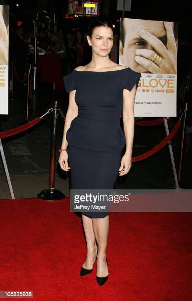 "Jeanne Tripplehorn during ""Big Love"" Los Angeles Premiere - Arrivals at Grauman's Chinese Theatre in Hollywood, California, United States."