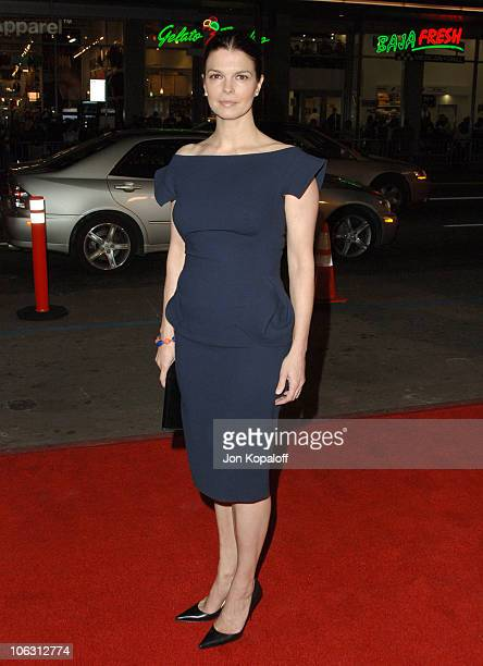 """Jeanne Tripplehorn during HBO Original Series """"Big Love"""" Premiere - Arrivals at Grauman's Chinese Theater in Hollywood, California, United States."""
