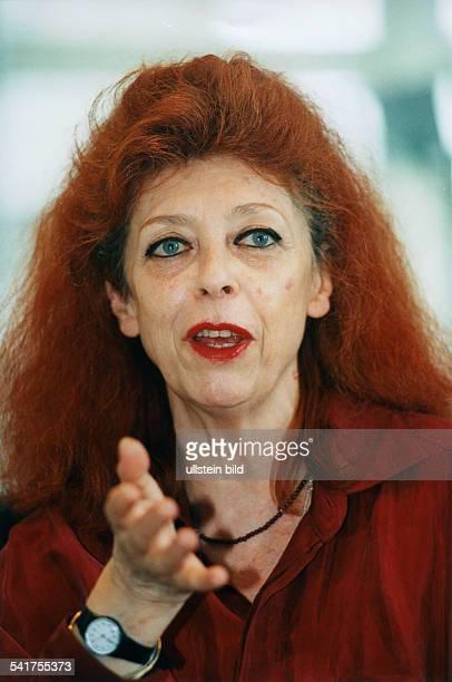 JeanneClaude *Bildende Kuenstlerin Frankreich/USAPortrait 1993