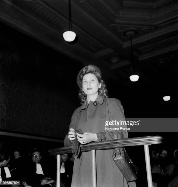 Jeannette Perreau maîtresse de Pierre Chevallier à la la barre des témoins au procès d'Yvonne Chevallier aux assises de la Marne à Reims le 6...