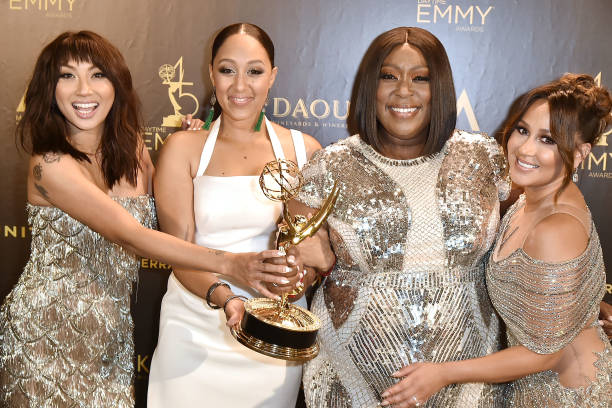 """UNS: Tamera Mowry-Housley Leaving """"The Real"""" After 6 Seasons"""