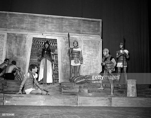 JeanPaul Belmondo and Mona Doll in Caesar and Cleopatre of Georges Bernard Shaw in the theatre Sarah Bernhardt Paris January 1957 LIP145017052