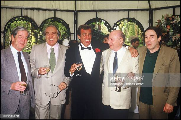 JeanPaul Belmondo at his daughter Patricia's wedding in 1986 with Robert Enrico Gerard Oury and Robert Hossein