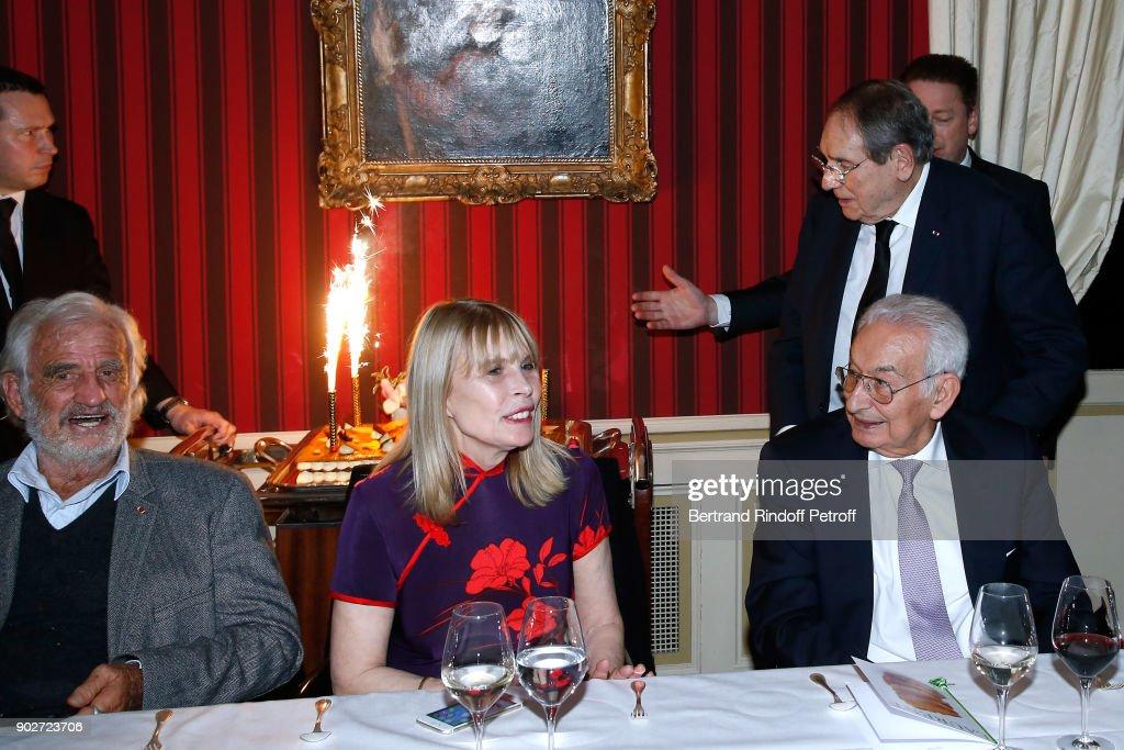 Robert Hossein Celebrates His 90th Anniversary In Paris : Nieuwsfoto's
