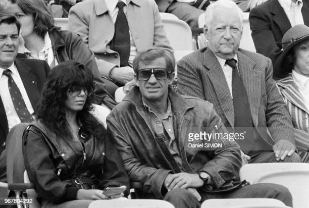 JeanPaul Belmondo Carlos Sotto Mayor et Pierre Messmer à RolandGarros le 23 mai 1983
