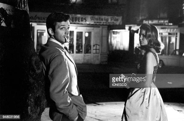 JeanPaul BELMONDO et Alexandra STEWART sur le tournage du film 'Les Distractions' de Jacques Dupont 1960