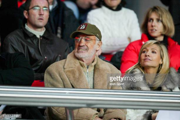 JeanPaul BELMONDO french actor and his wife Natty Tardivel during the French Cup match between PSG and Marseille at Parc des Princes Paris France on...