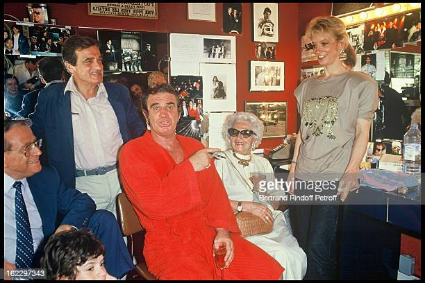 JeanPaul Belmondo in his dressing room after Kean last night in 1987 with his mother Madeleine his daughter and his brother Alain