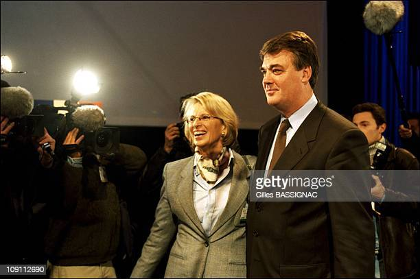 JeanPaul Delevoye And Michele AlliotMarie Meet At The 82Nd Conference Of French Mayors On November 23Th 1999 In Paris France