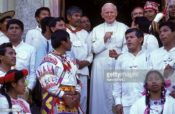 JeanPaul II In Saint Domingue Dominican Republic In October 1992Meeting with Indian delegation