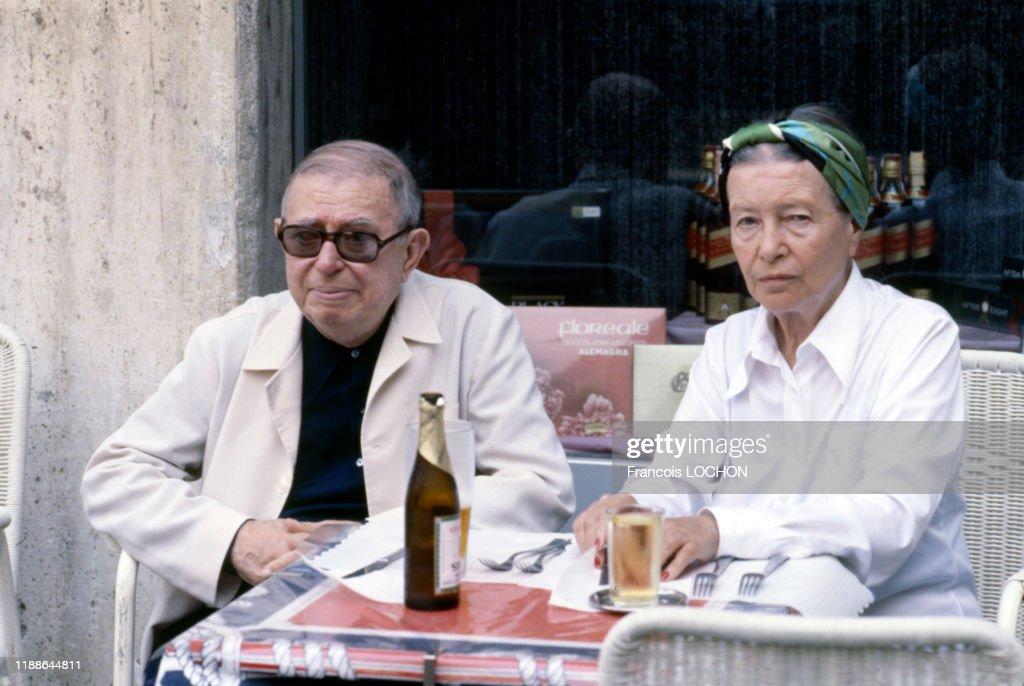 Jean-Paul Sartre et Simone de Beauvoir en 1978 : News Photo