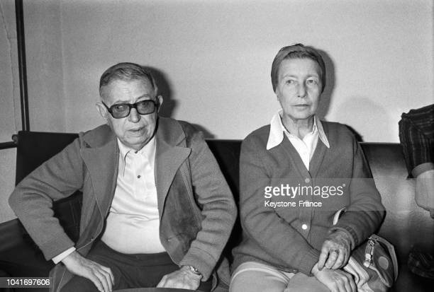 JeanPaul Sartre et Simone de Beauvoir à Paris France circa 1960