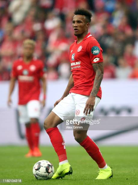 Jean-Philippe Gbamin of Mainz controls the ball during the Bundesliga match between 1. FSV Mainz 05 and TSG 1899 Hoffenheim at Opel Arena on May 18,...
