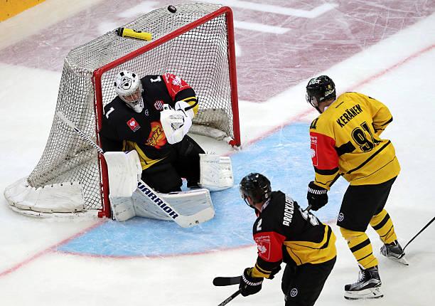 AUT: Vienna Capitals v KalPa Kuopio - Champions Hockey League