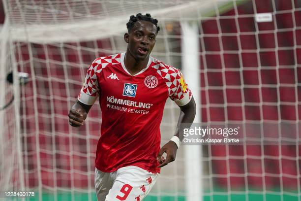 Jean-Philippe Mateta of 1.FSV Mainz 05 celebrates after scoring his team's fifth goal during the DFB Cup first round match between TSV Havelse and 1....