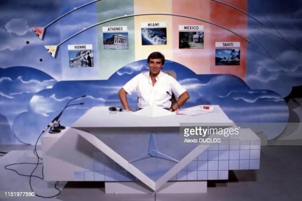 JeanPierre Foucault sur le plateau de l'émission 'La Trappe' à Paris le 2 septembre 1985 France