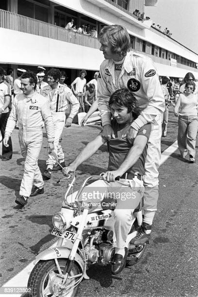 JeanPierre Jarier Ronnie Peterson Grand Prix of France Paul Ricard 01 July 1973 JeanPierre Jarier gives Ronnie Peterson a ride