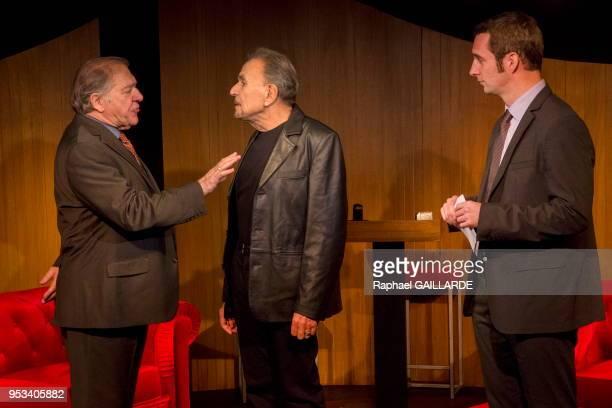 JeanPierre Kalfon Pierre Santini et Bertrand Nadler interprètent la pièce 'Fraticide' de Dominique Warluzel le 5 novembre 2014 au 'Théâtre de Poche...