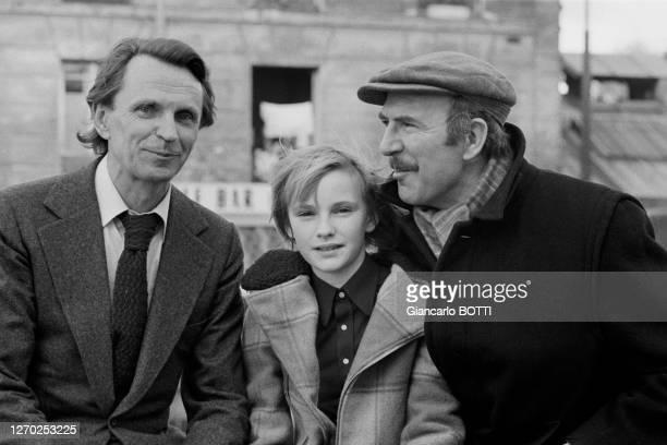 Jean-Pierre Marielle et Jean-Christophe Maillot lors du tournage du film 'Le petit poucet' réalisé par Michel Boisrond en 1972, France