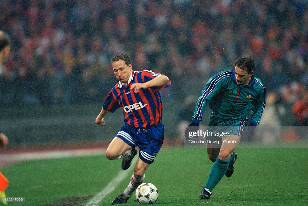 1995-1996 UEFA Cup Semifinal: Bayern Munich vs. Barcelona : News Photo