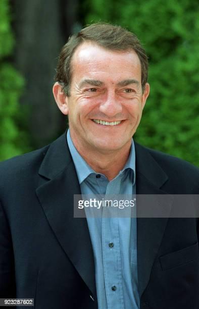 JeanPierre Pernaut journalisteprésentateur depuis plus de 13 ans du journal télévisé de 13 heures sur TF1 rencontre la presse le 29 août 2001 au...