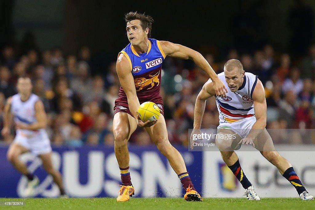 AFL Rd 13 - Brisbane v Adelaide : News Photo