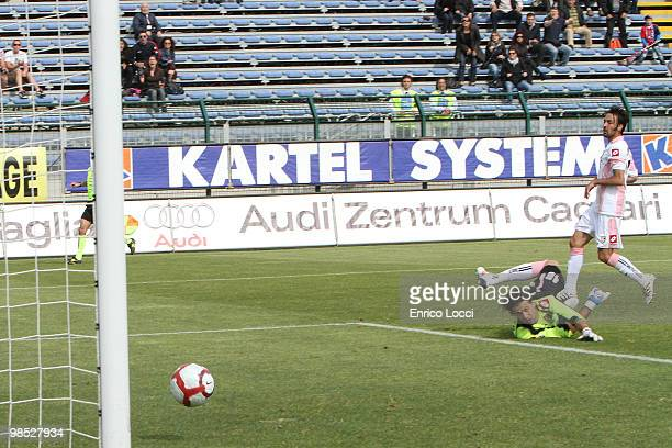 Jeda of cagliari scoring the goal during the Serie A match between Cagliari Calcio and US Citta di Palermo at Stadio Sant'Elia on April 18, 2010 in...