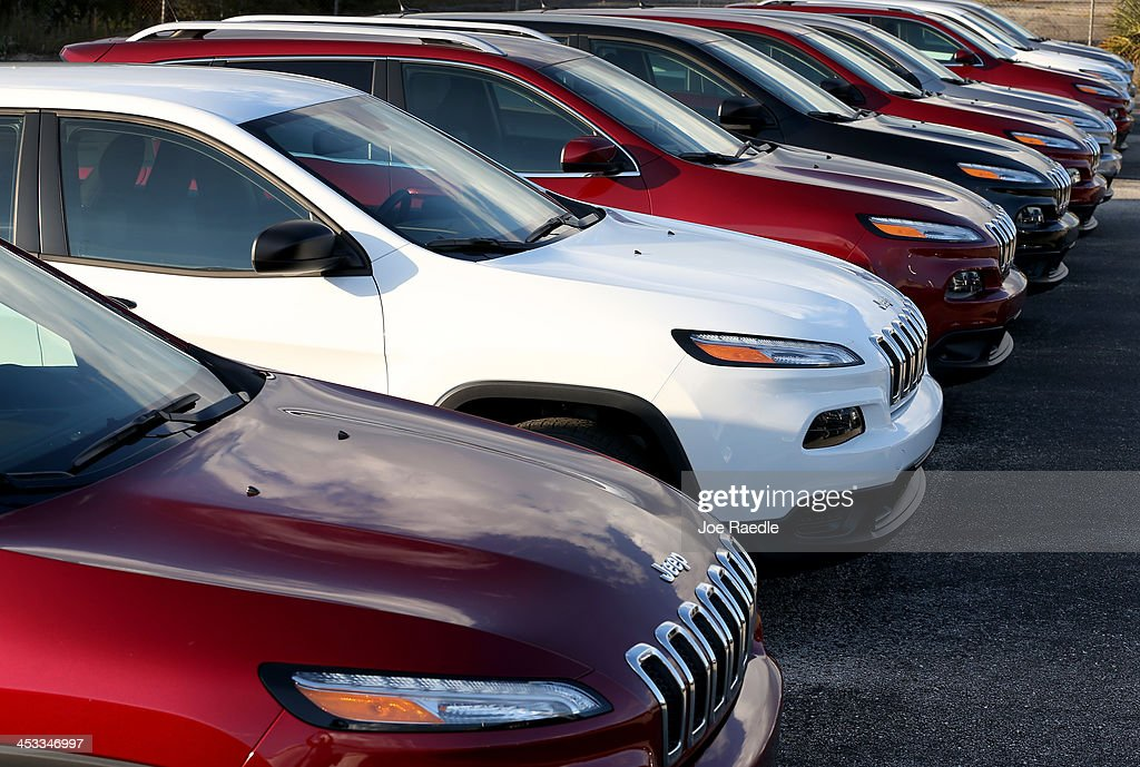 vehicles trucks in limited stock chrysler suvs sedan cars jeep new hollywood