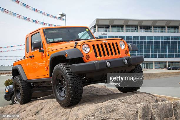 jeep wrangler pickup - jeep wrangler stock photos and pictures