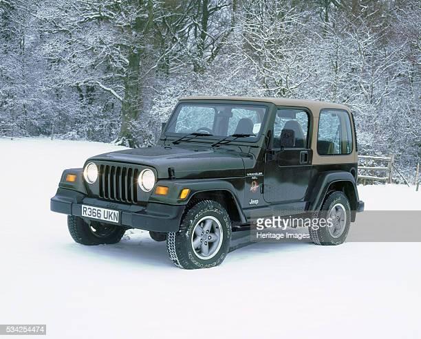 Jeep Wrangler Sahara in snow 2000