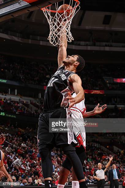 Jeff Ayres of the San Antonio Spurs shoots against the Chicago Bulls on March 11 2014 at the United Center in Chicago Illinois NOTE TO USER User...