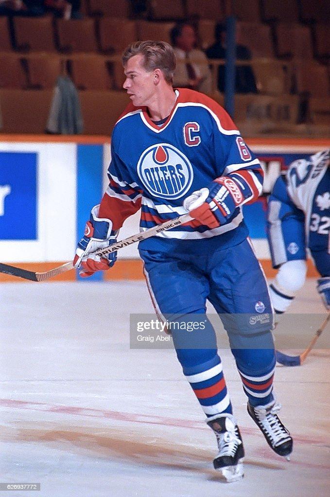 Edmonton Oilers v Toronto Maple Leafs : News Photo