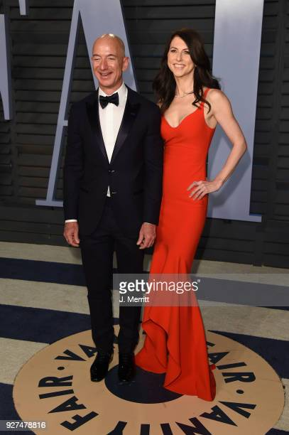 Jeff Bezos and MacKenzie Bezos attend the 2018 Vanity Fair Oscar Party hosted by Radhika Jones at the Wallis Annenberg Center for the Performing Arts...