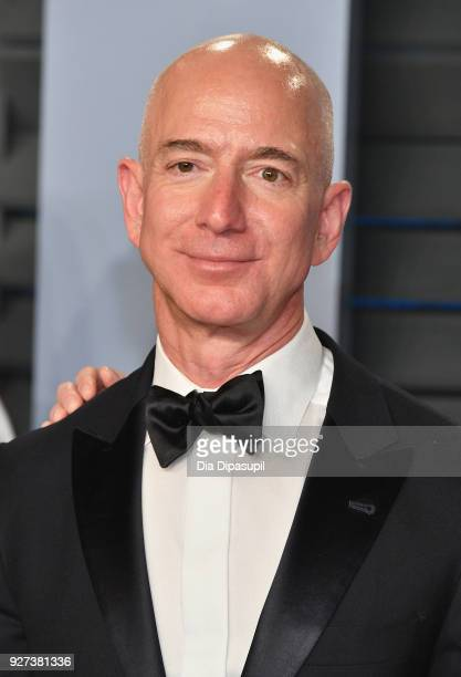 Jeff Bezos attends the 2018 Vanity Fair Oscar Party hosted by Radhika Jones at Wallis Annenberg Center for the Performing Arts on March 4, 2018 in...