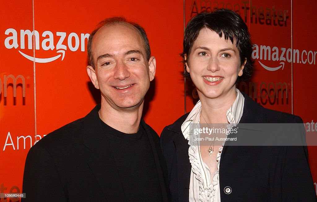 Amazon.com Goes Hollywood for the Holidays - Orange Carpet : News Photo
