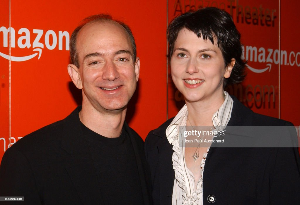 Amazon.com Goes Hollywood for the Holidays - Orange Carpet : News Photo