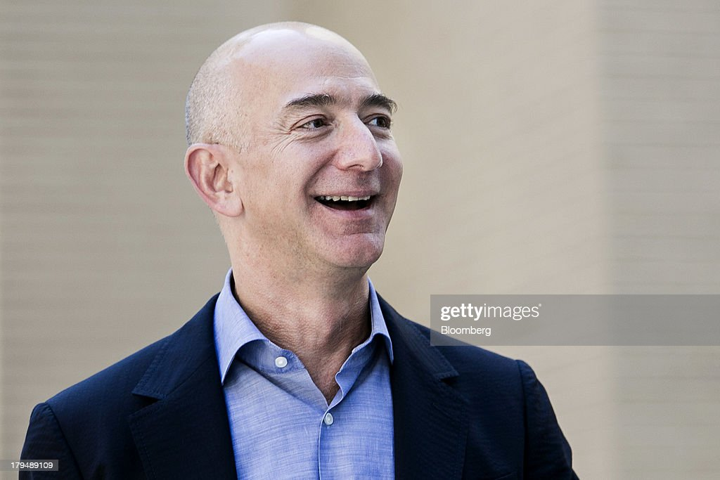 New Washington Post Owner Jeff Bezos Addresses Newsroom : News Photo