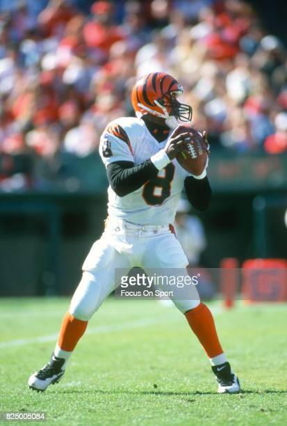 Jeff Blake of the Cincinnati Bengals drops back to pass against the San Francisco 49ers during an NFL football game October 20 1996 at Candlestick...