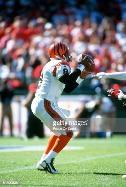 Jeff Blake of the Cincinnati Bengals looks to pass against the San Francisco 49ers during an NFL football game October 20 1996 at Candlestick Park in...